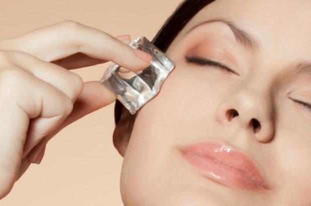 Procedimiento facial con hielo